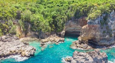 La grotte de l'Anse Castalia